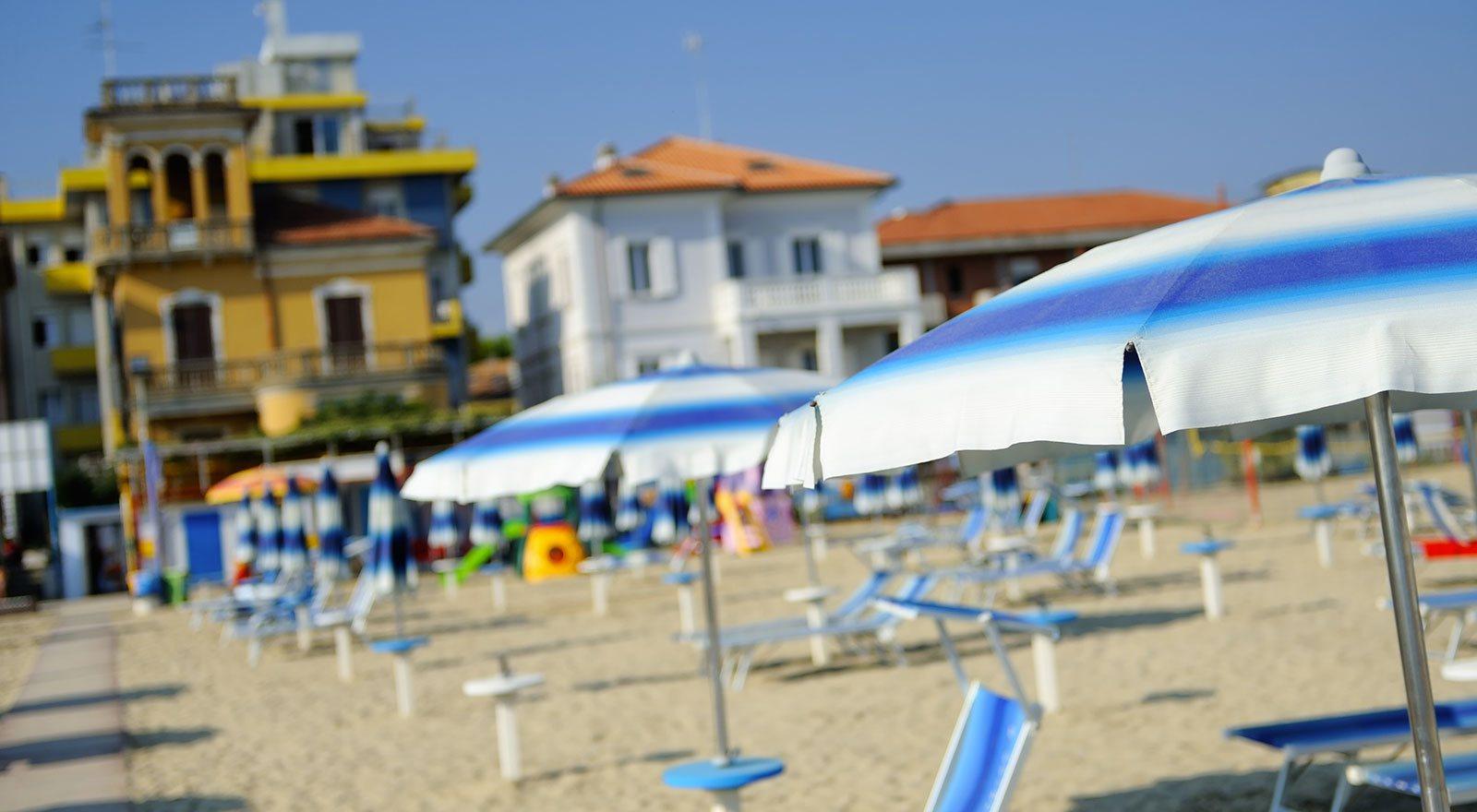Hotel sul mare viserba rimini alberghi fronte mare a viserba di rimini hotel mirabel - Bagno 38 rimini ...